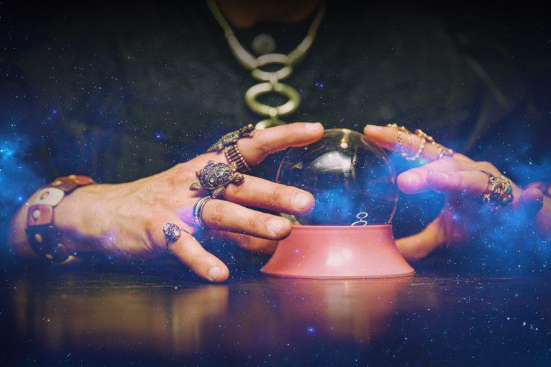 lecture dans la boule de cristal
